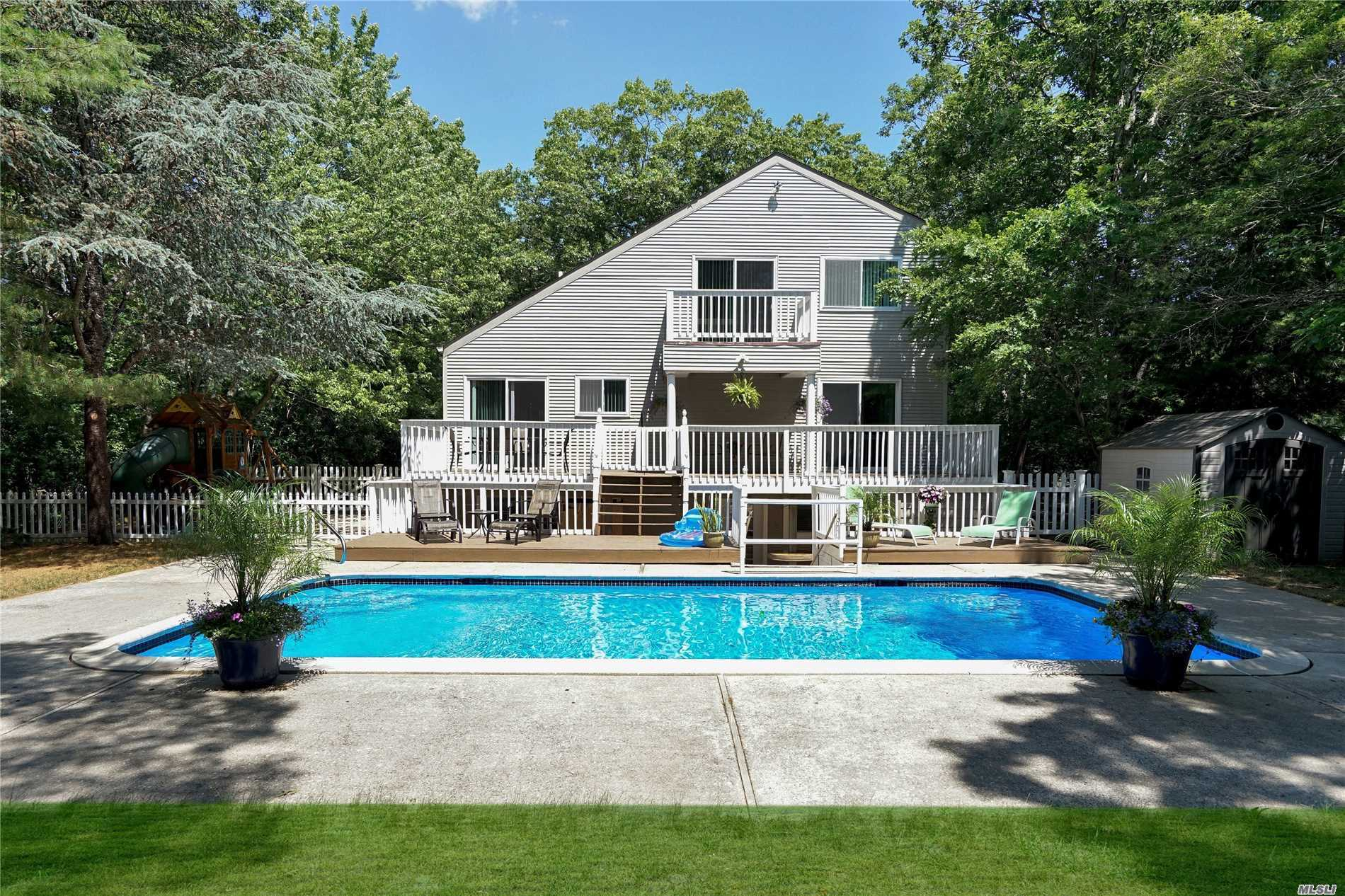 18 Scrub Oak Rd - Quogue, New York