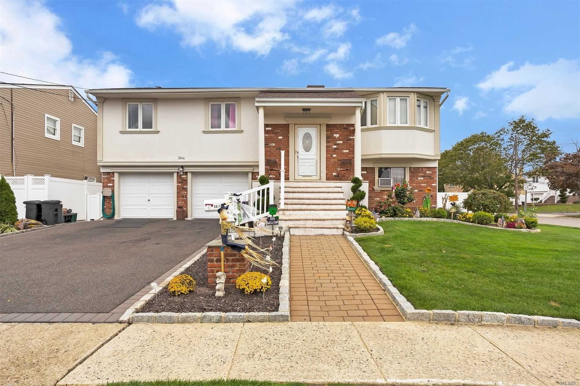 3044 Seaview Ln - Bellmore, New York