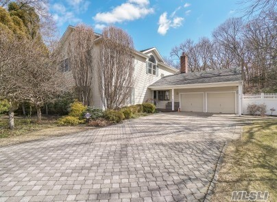 134 Northfield Rd - Hauppauge, New York