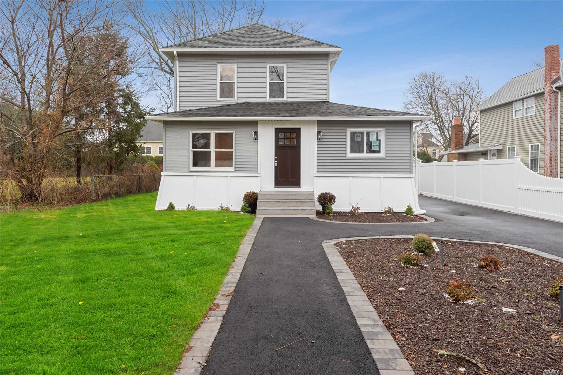 49 Furman Ln - Patchogue, New York