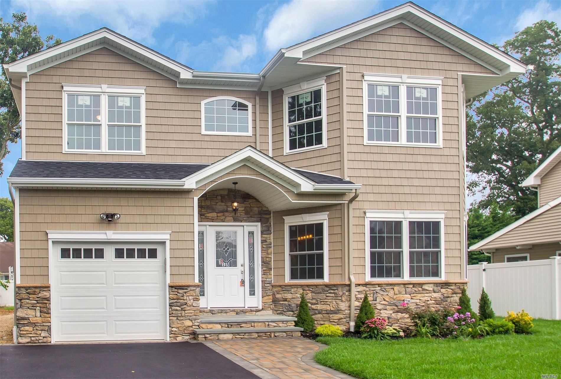 3315 Seneca Pl - Wantagh, New York