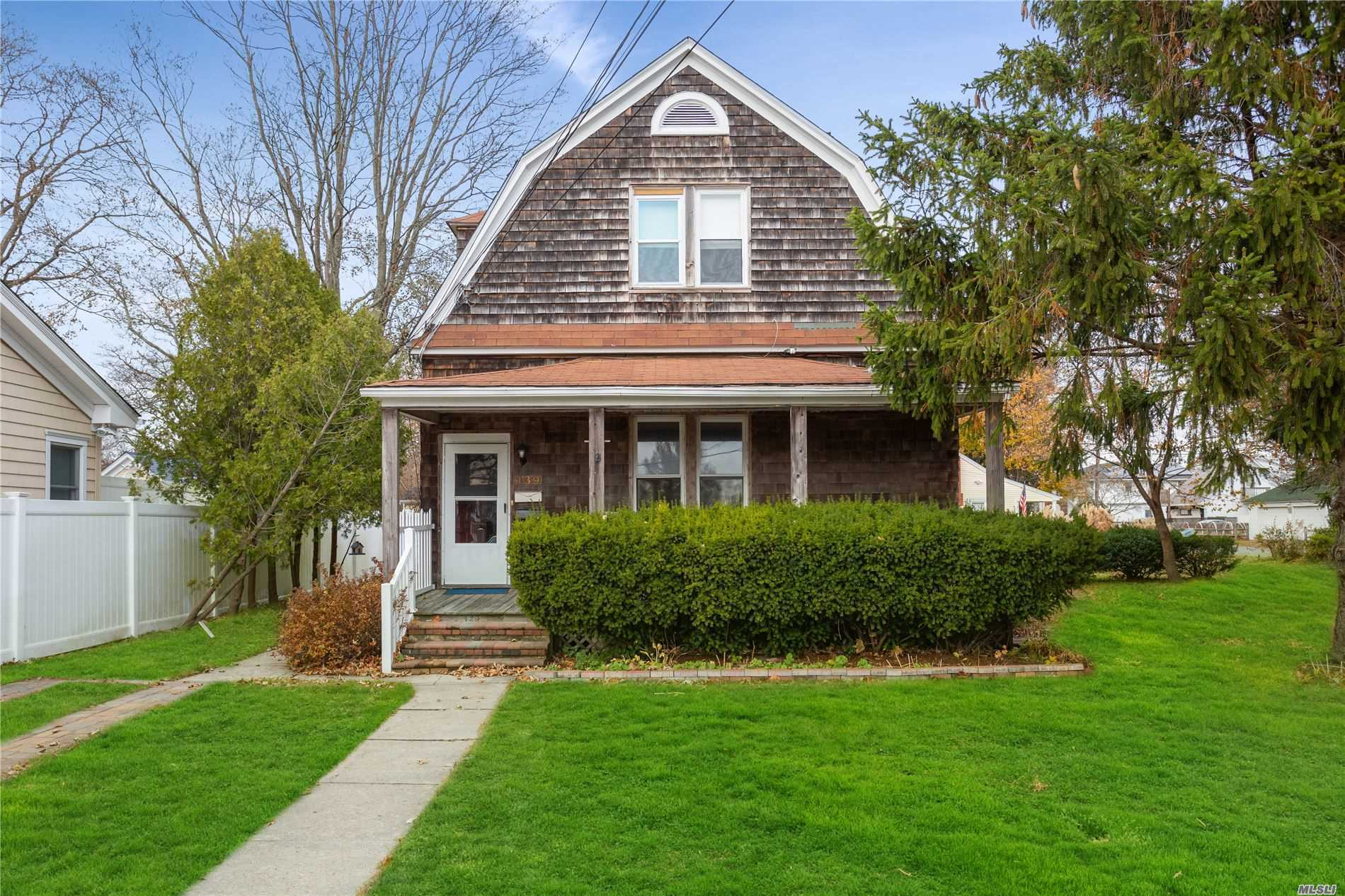 139 Oak St - Patchogue, New York