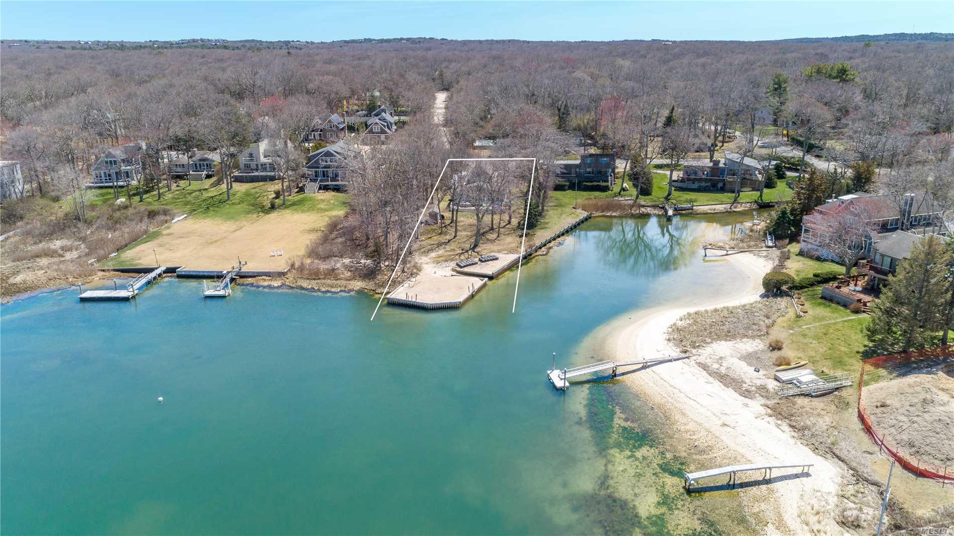 11 Lake Dr - Southampton, New York