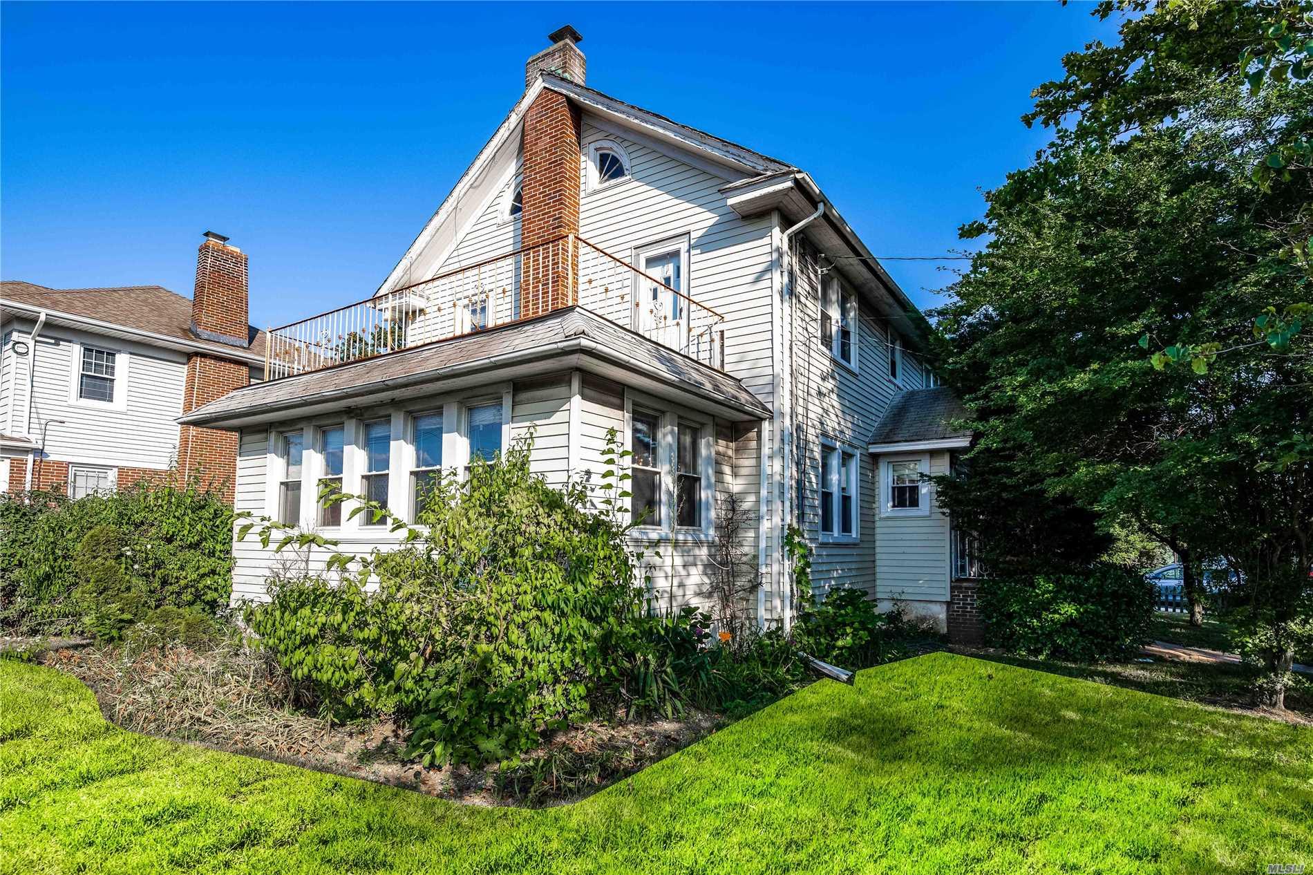 370 Roselle Ave - Cedarhurst, New York