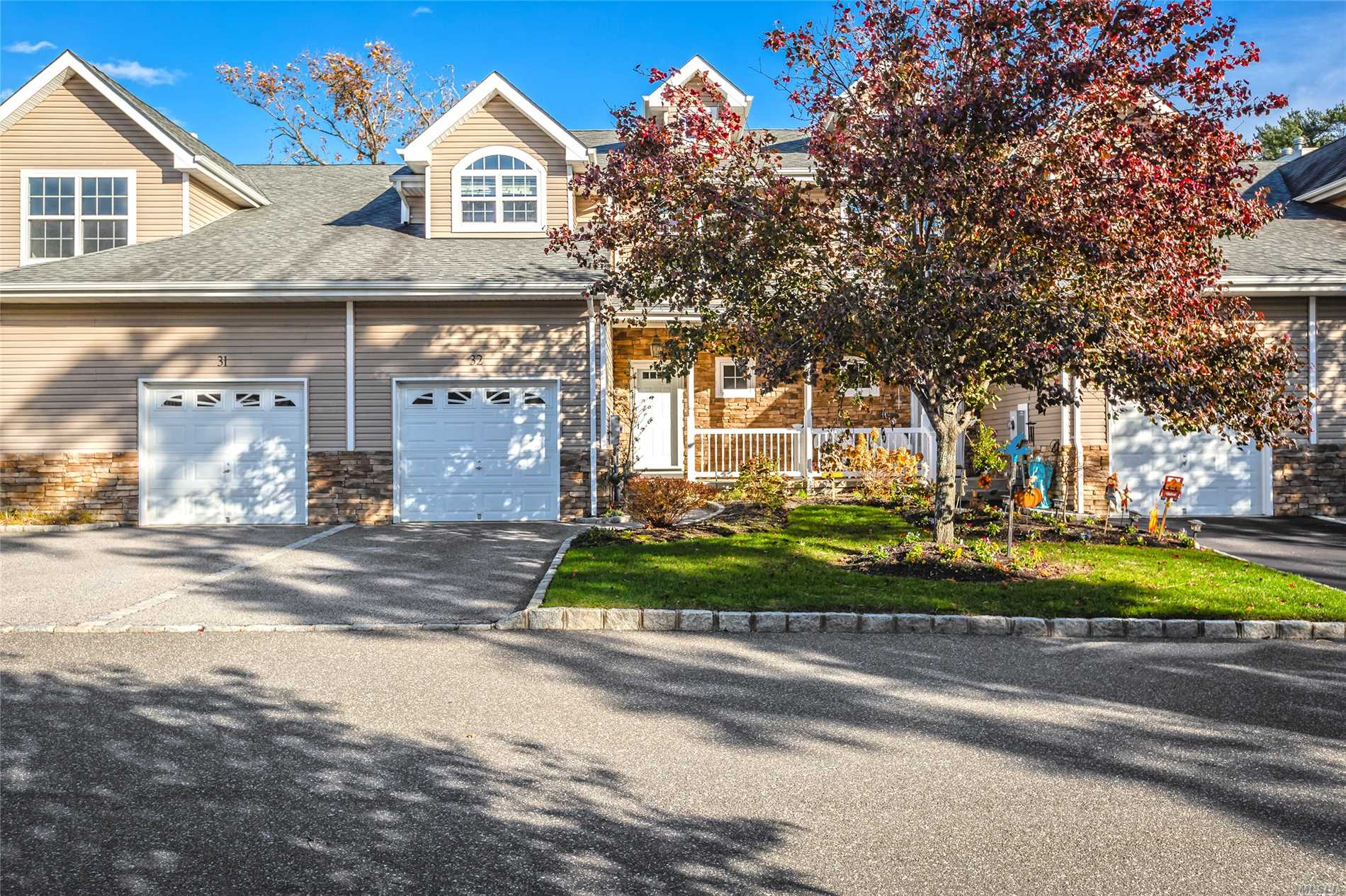 32 Terrace Ln - Patchogue, New York
