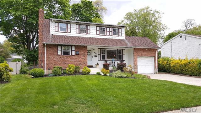 Just Listed! Come Take a Look at One Of Amityville's Best Gems!