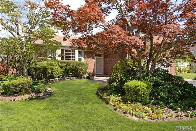 96 Captains Rd: North Woodmere Ranch for a Royal Family