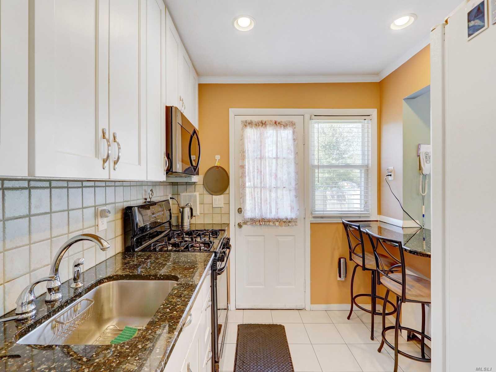 185 Block Blvd Massapequa Park Ny 11762 Sold Nystatemls