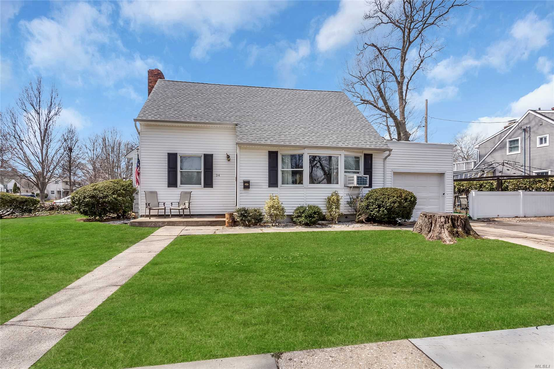 Great Cape In The Garden City School District. 5 BR for sale, House ...