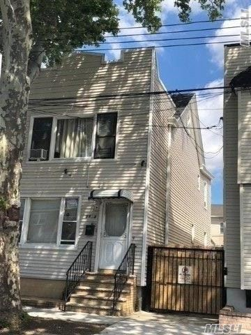 Photo of home for sale at 58-55 79 Avenue, Glendale NY