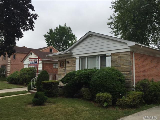 Photo of home for sale at 71-34 171 St, Fresh Meadows NY