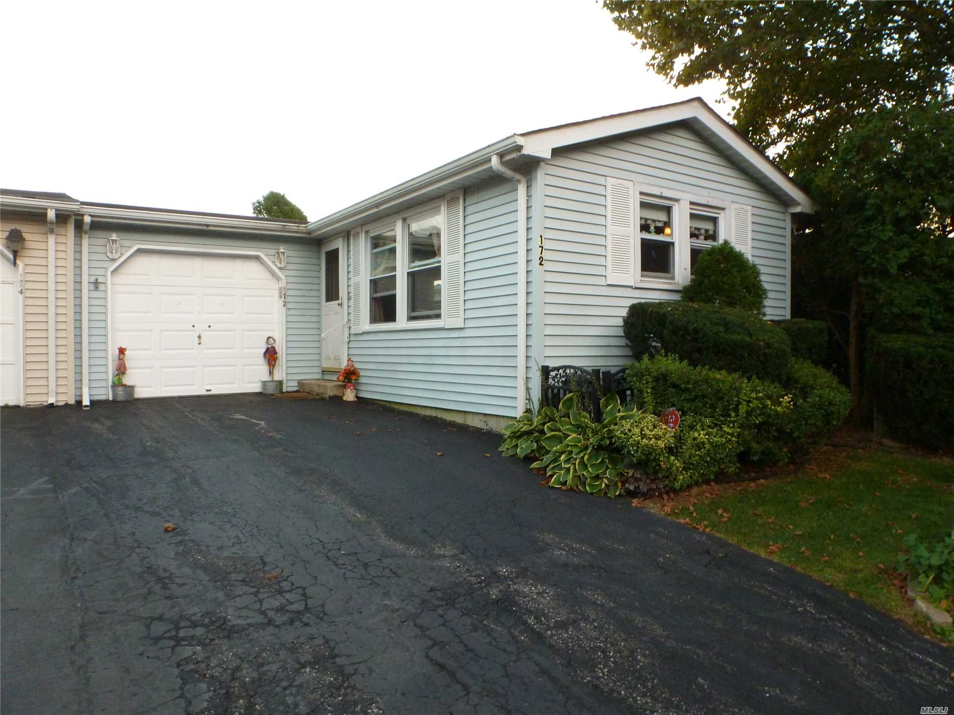 Property for sale at 172 Village Cir, Manorville,  NY 11949