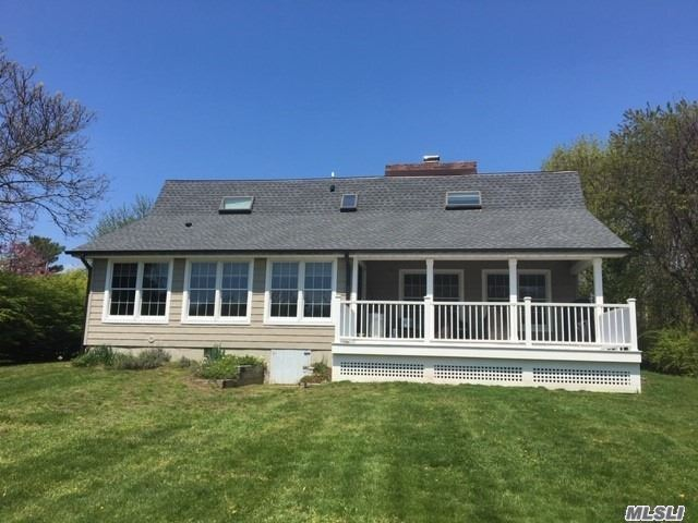 Photo of home for sale at 1540 Glenn Rd, Southold NY