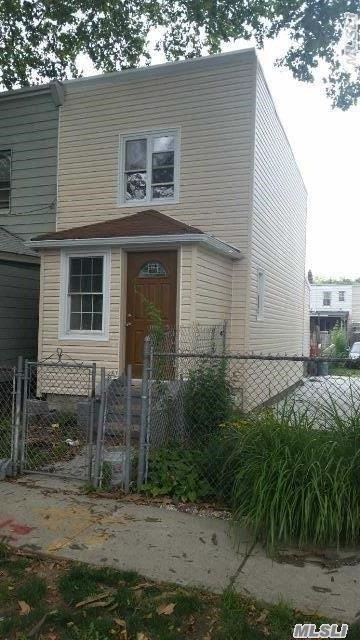 Photo of home for sale at 152-31 118th Ave, Jamaica NY
