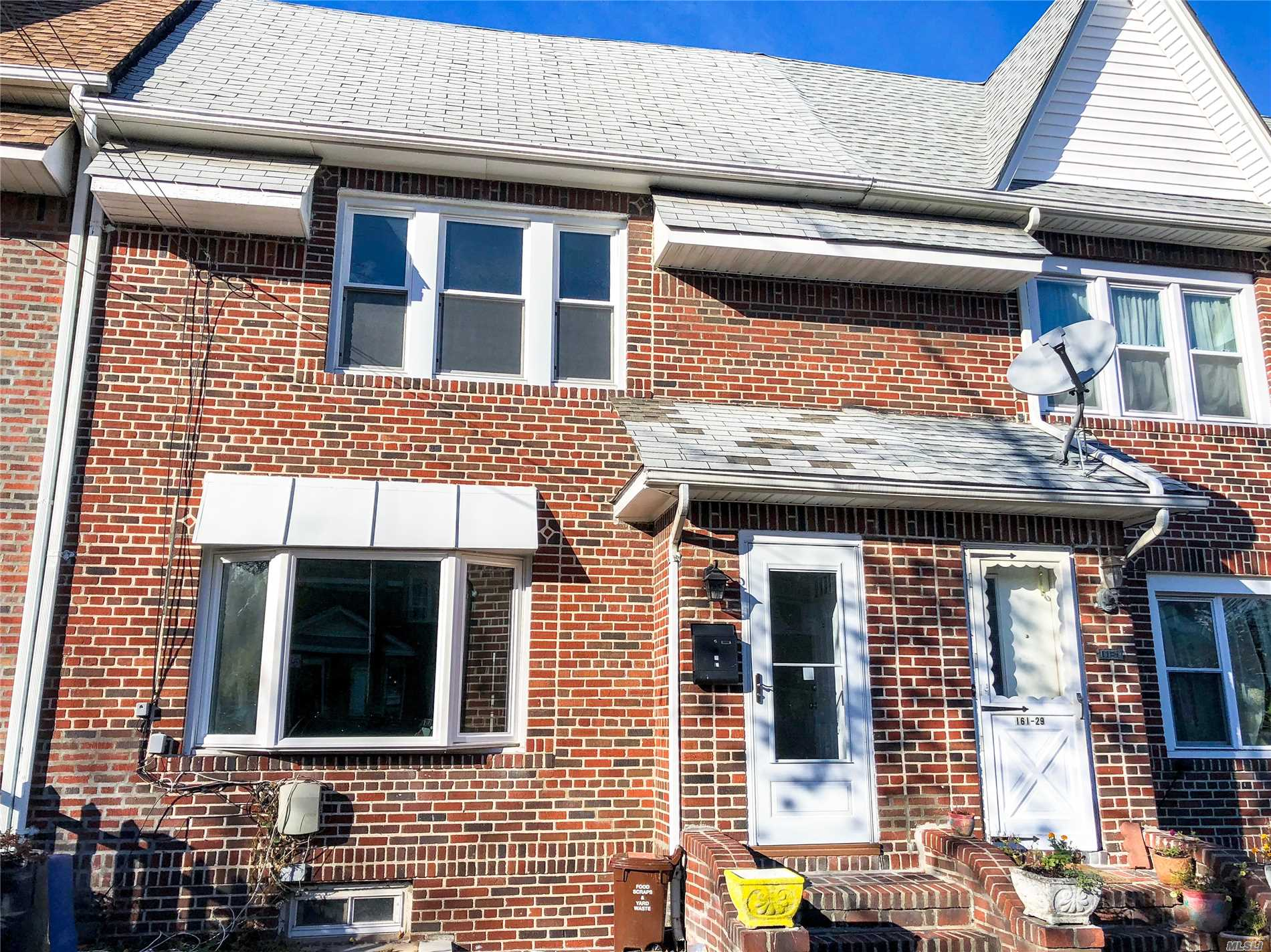Photo of home for sale at 161-27 84th Rd, Jamaica Hills NY