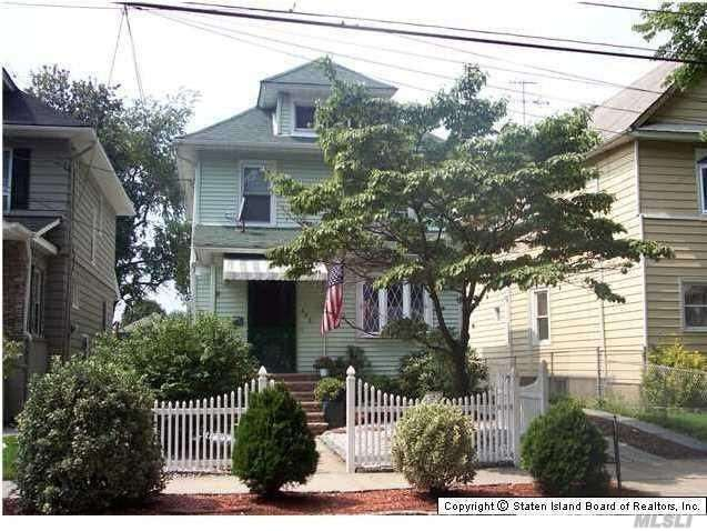 Photo of home for sale at 492 Heberton Ave, Port Richmond NY