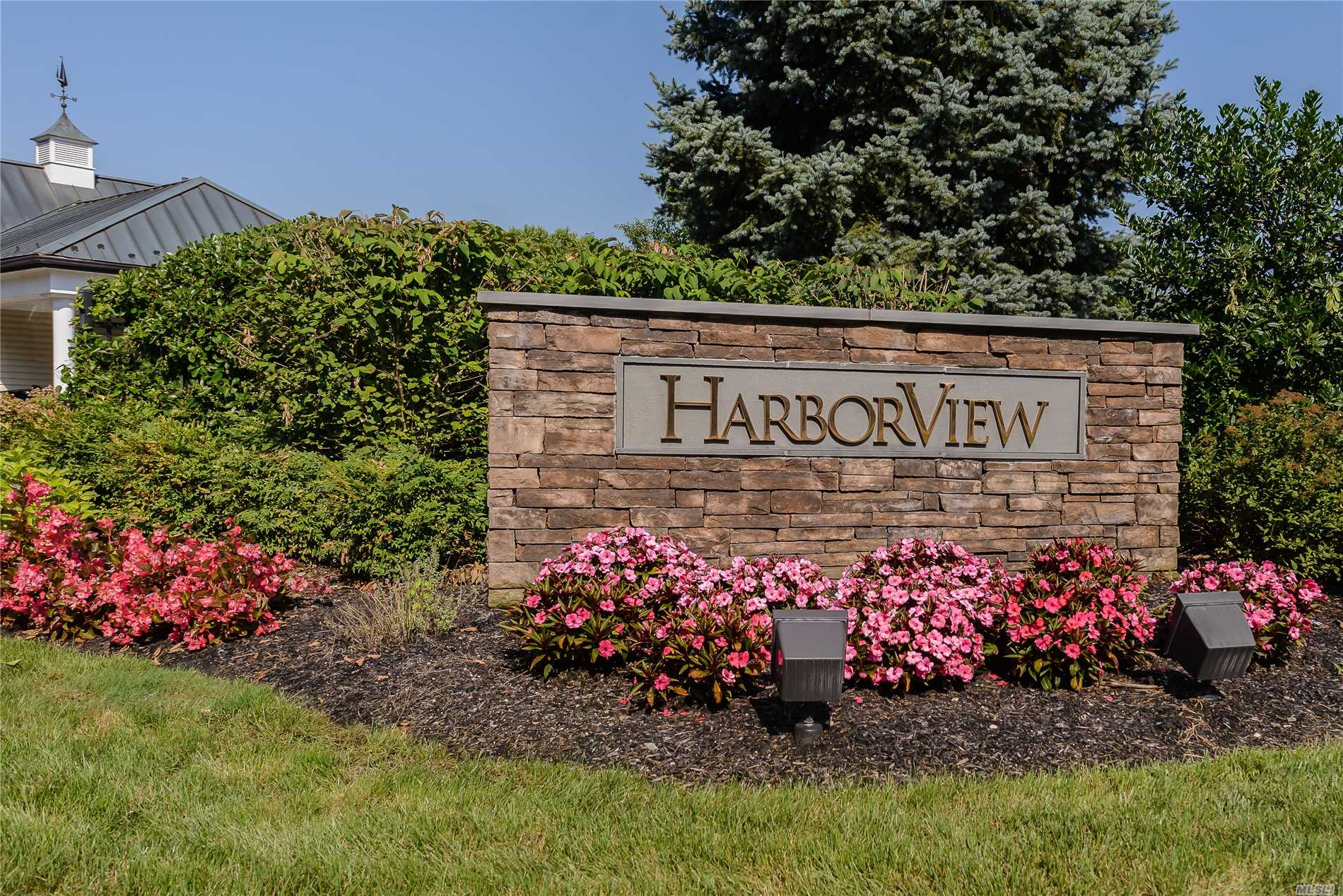Property for sale at 189 Harbor View Dr, Port Washington,  NY 11050