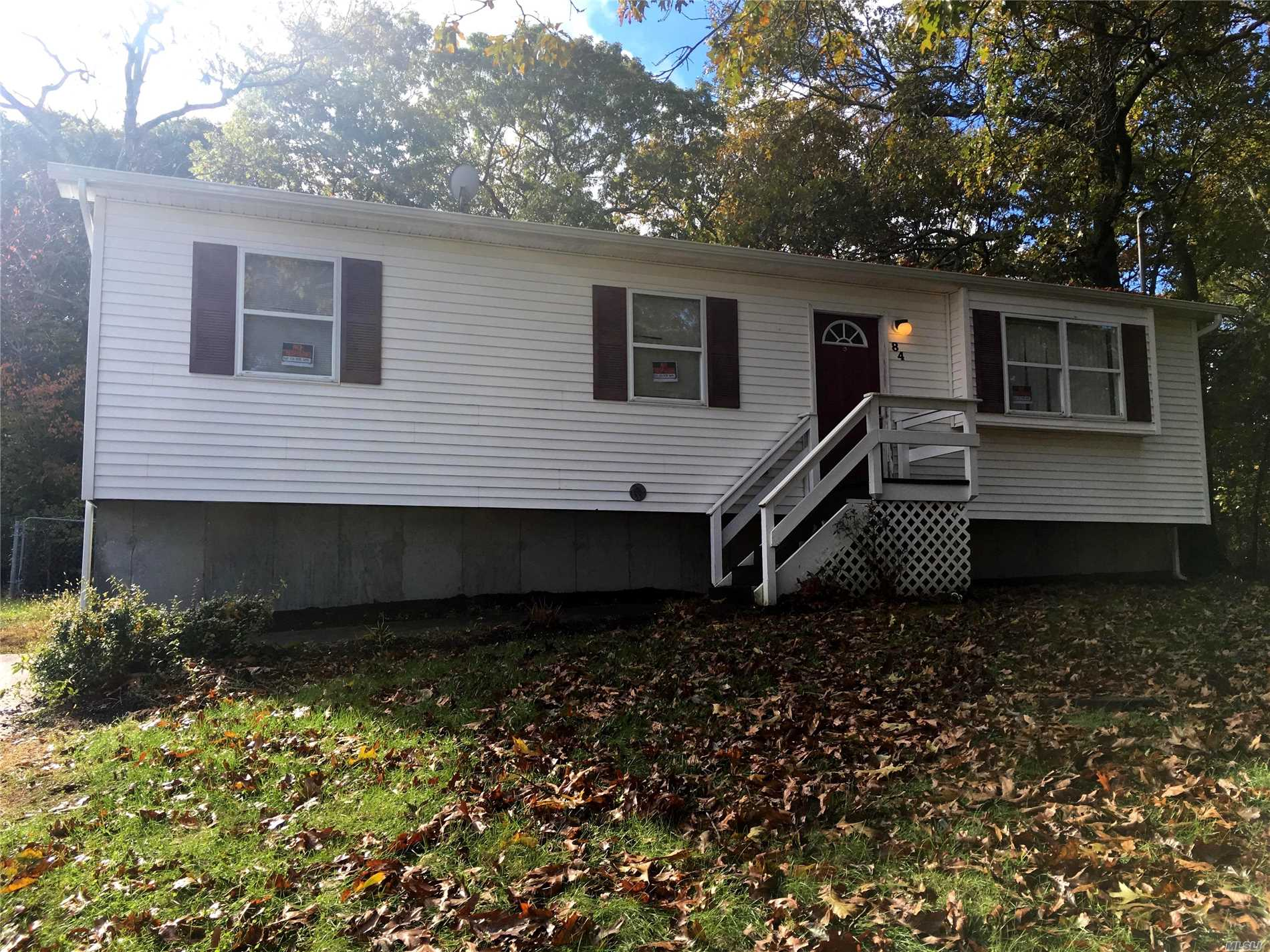 Photo of home for sale at 84 Carr Ln, Coram NY