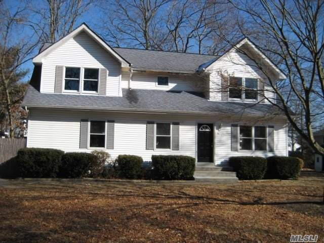 Photo of home for sale at 49 Joseph Pl, Nesconset NY