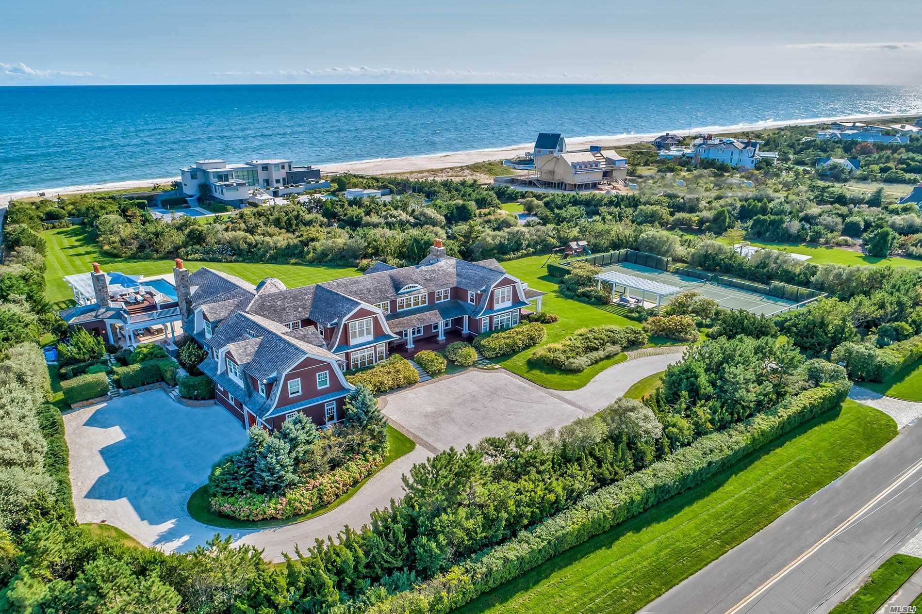 Photo of home for sale at 168 Dune Rd, Quogue NY