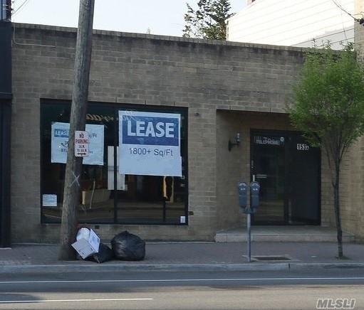 Photo of home for sale at 153 Jericho Tpke, Mineola NY