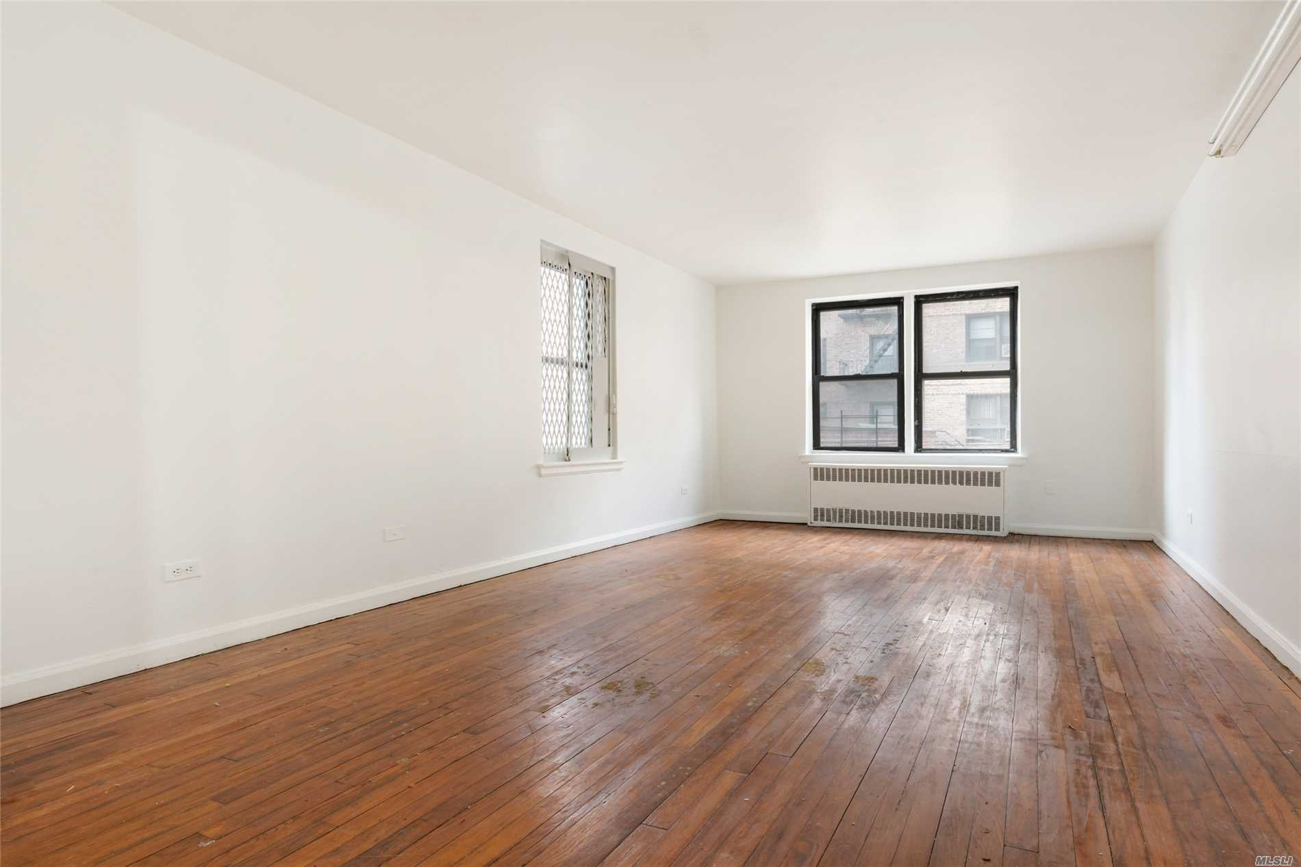 Photo of home for sale at 43-40 Union St, Flushing NY