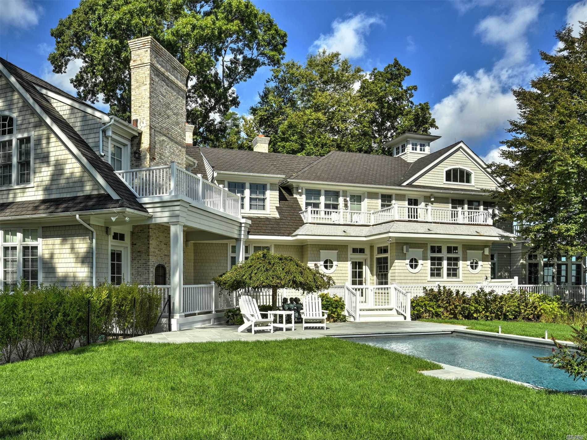 Photo of home for sale at 29 Winthrop Rd, Shelter Island NY