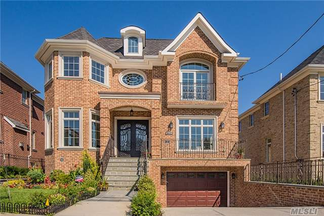 Photo of home for sale at 150-37 6th Ave, Whitestone NY