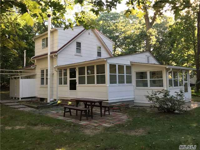 Photo of home for sale at 275 Hamilton Ave, Cutchogue NY