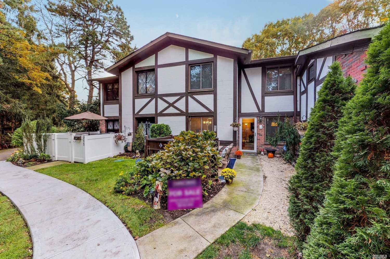 Property for sale at 209 Birchwood Rd, Medford,  NY 11763