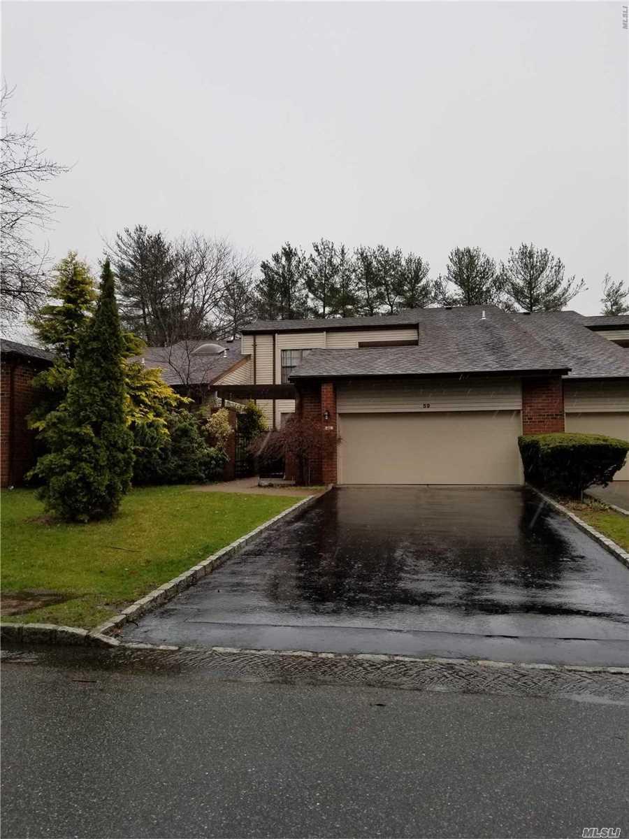 Property for sale at 59 Estates Ter, Manhasset,  NY 11030