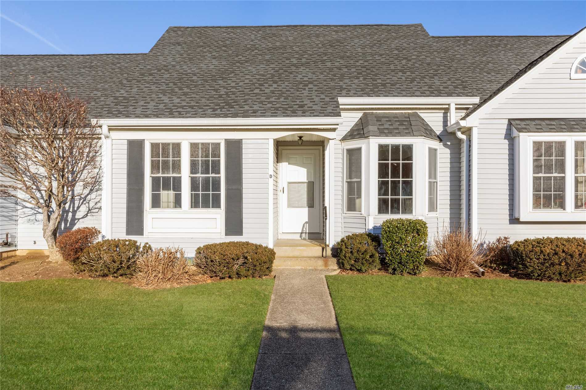 Photo of home for sale at 2555 Youngs Ave, Southold NY