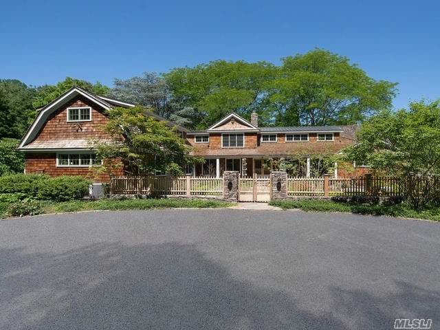 Photo of home for sale at 151 Royston Lane, Oyster Bay NY