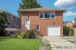 Photo of home for sale at 133 Carnation Ave, Floral Park NY