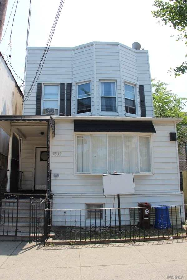 Photo of home for sale at 2536 Boston Rd, Bronx NY