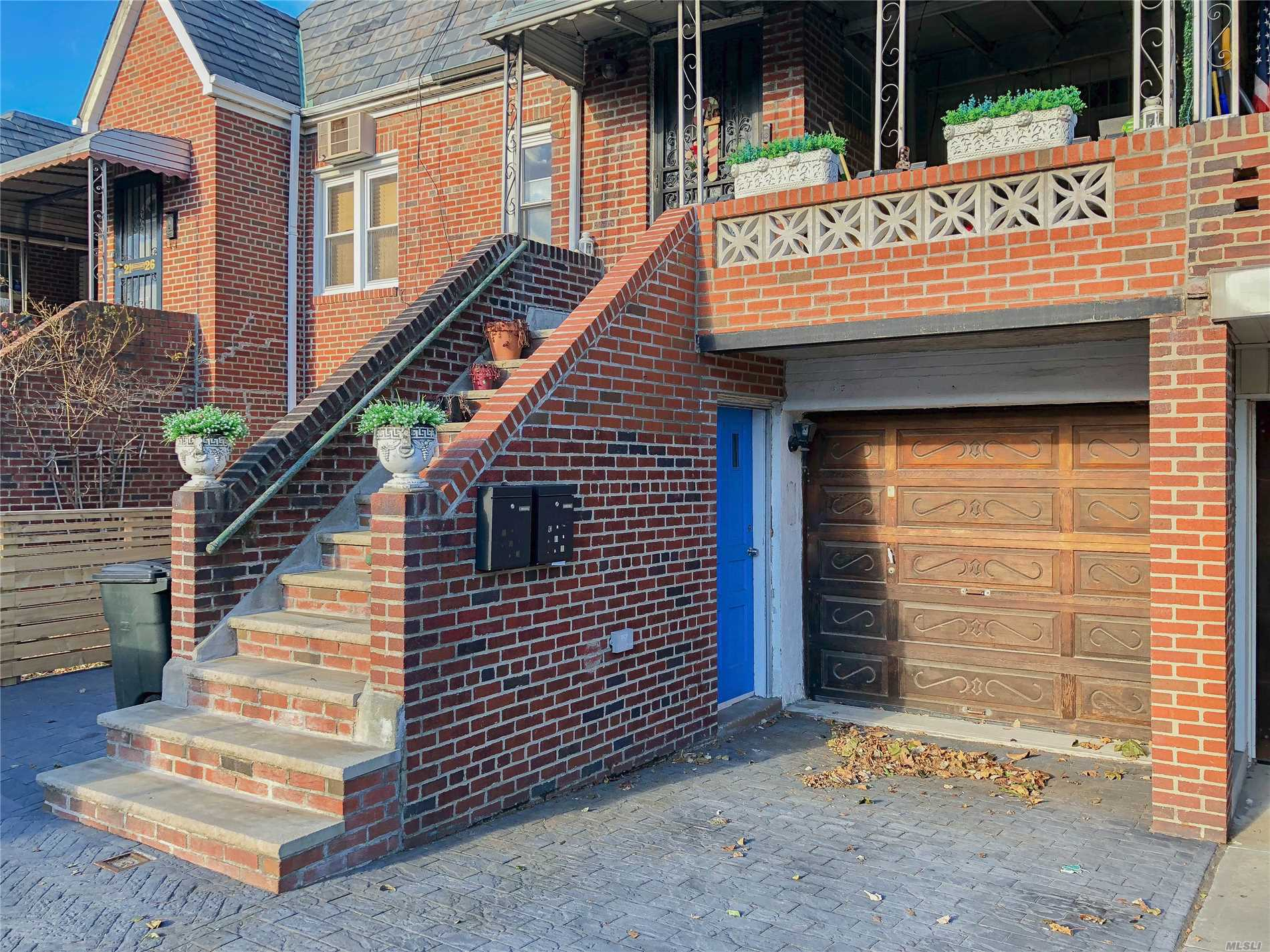 Photo of home for sale at 21-24 47th St, Astoria NY
