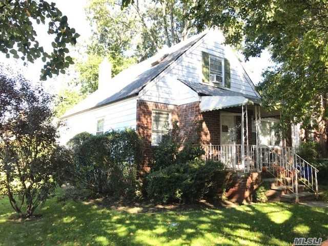 Photo of home for sale at 163-03 21 Ave, Whitestone NY