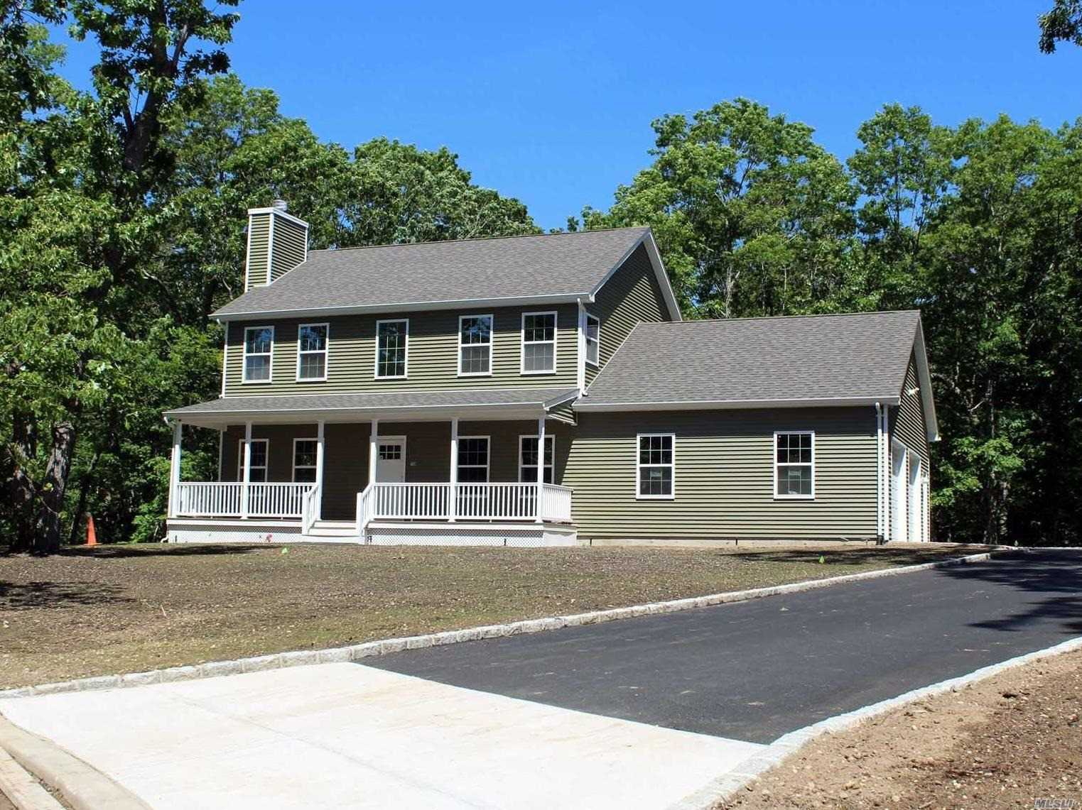 Photo of home for sale at 3 Aj Ct, Riverhead NY