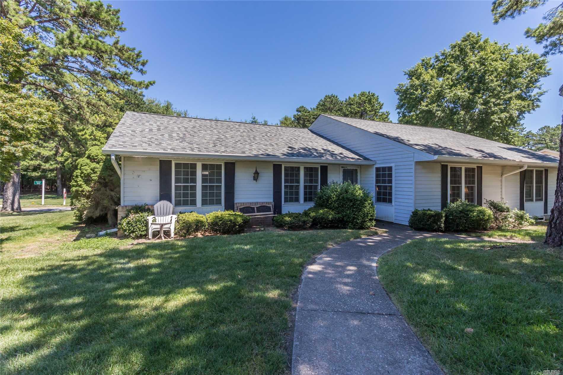 Property for sale at 473 Darwen Dr, Ridge,  NY 11961