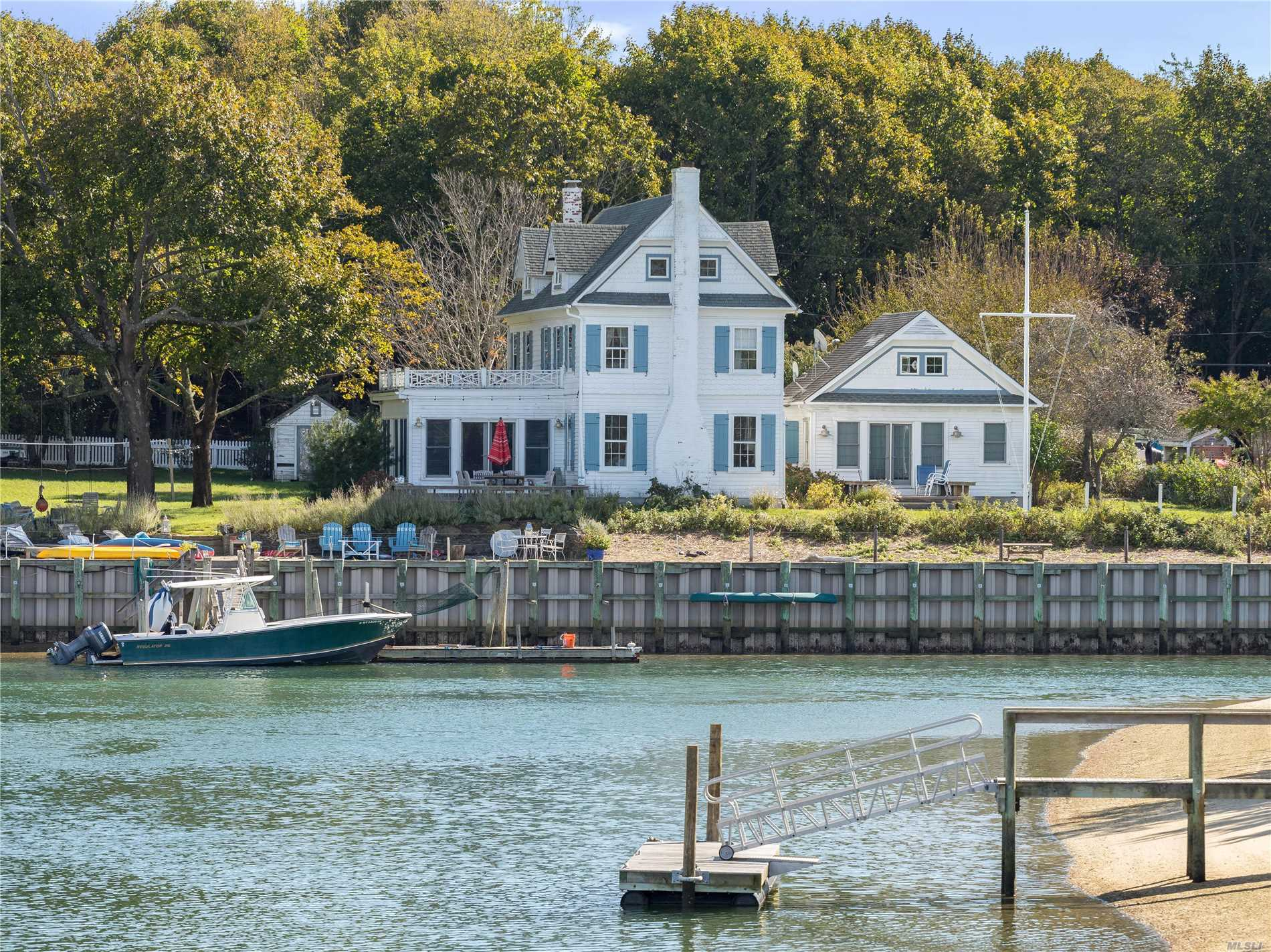 Photo of home for sale at 250 Goose Creek Ln, Southold NY