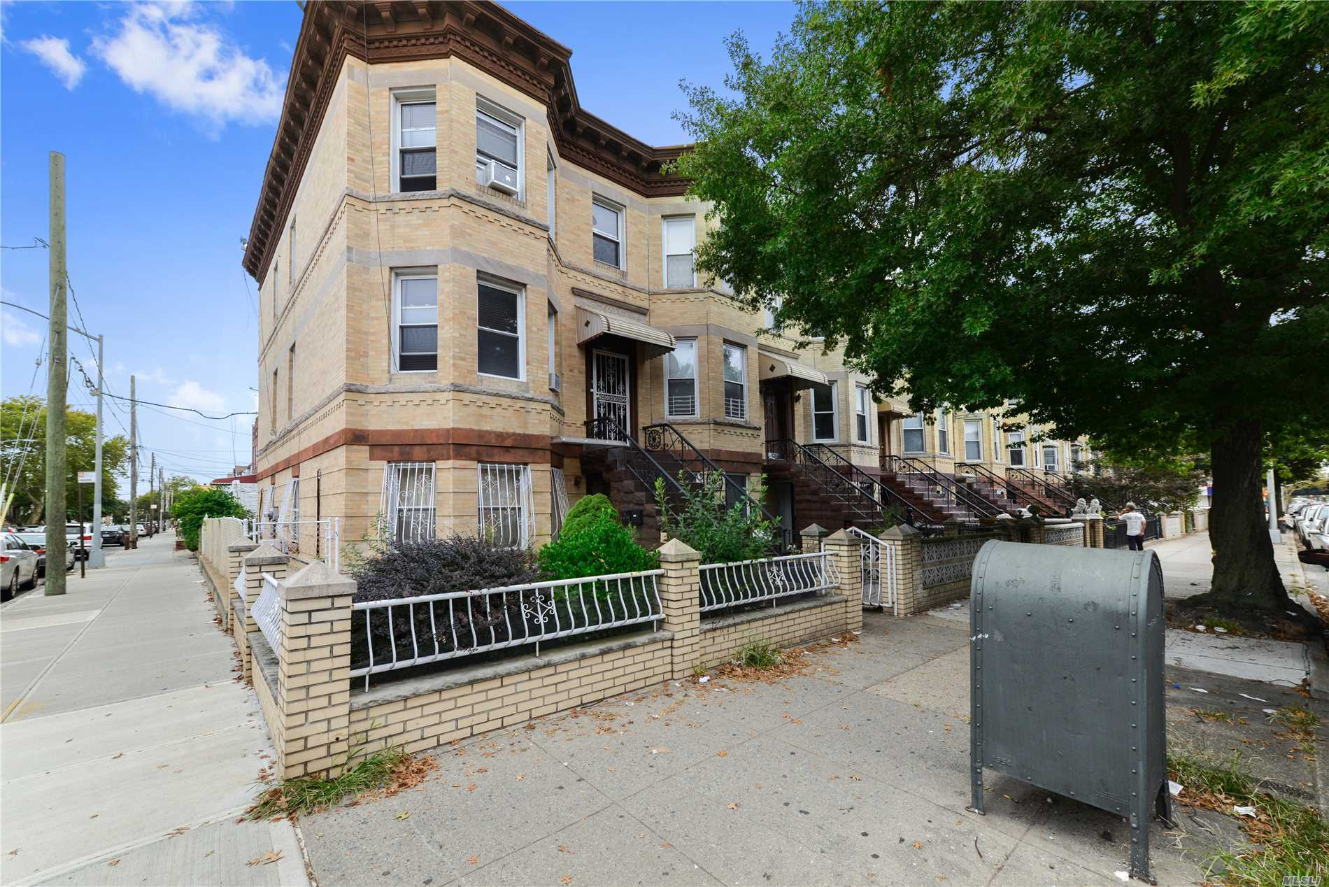 Photo of home for sale at 8124 17th Ave, Brooklyn NY