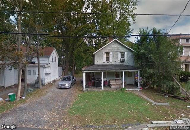 Photo of home for sale at 15 Walnut Pl, Spring Valley NY