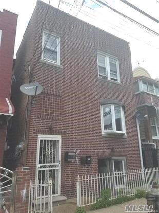 Photo of home for sale at 853 East 219 Street St, Bronx NY