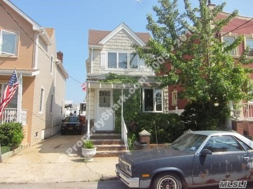 Photo of home for sale at 6 Gotham Ave, Brooklyn NY