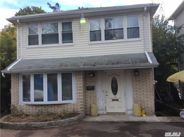 Photo of home for sale at 14-63 Gateway Blvd, Far Rockaway NY