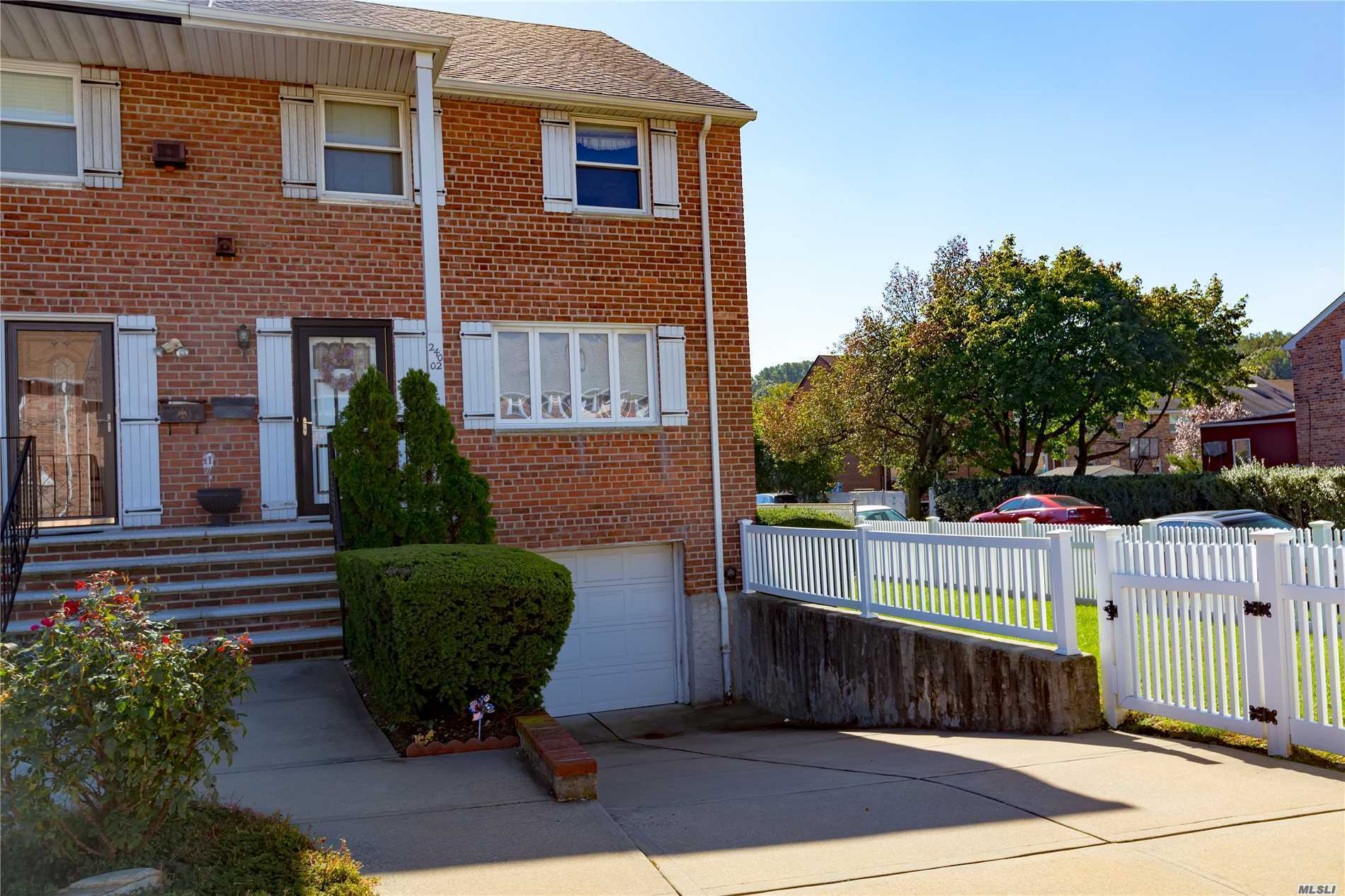 Photo of home for sale at 240-02 65th Ave, Douglaston NY