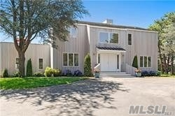 Photo of home for sale at 36 Blackwatch Ct, Southampton NY