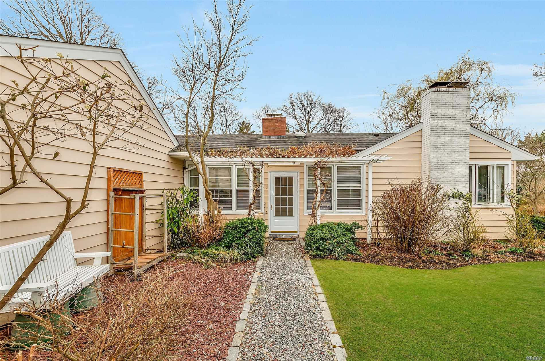 Photo of home for sale at 90 Evergreen Ave, East Moriches NY