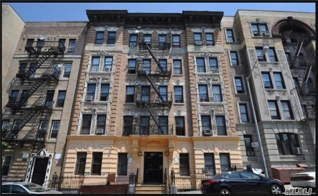 Photo of home for sale at 525 139th St W, New York NY