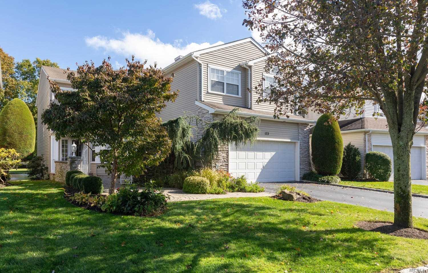 Property for sale at 173 Windwatch Dr, Hauppauge,  NY 11788